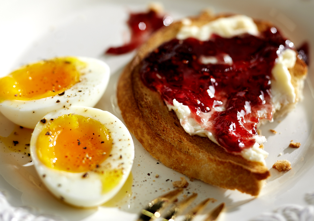 Eggs-Toast-Jam_apf