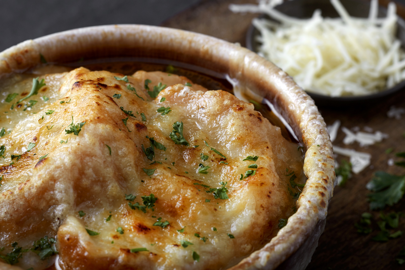 French-Onion-Soup-close-165-apf